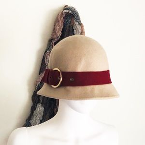Accessories - VTG Style 1930'S Beige and Red Hat • L